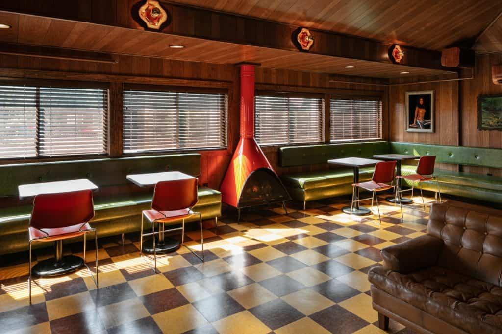 Dive Motel Bar 1 1